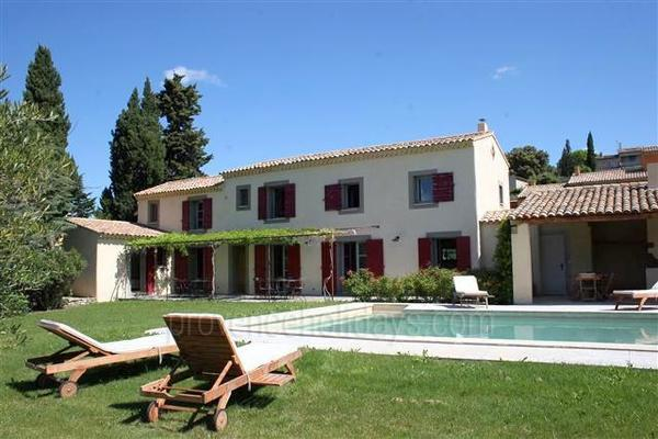 Country House within walking distance to L'Isle-sur-la-Sorgue