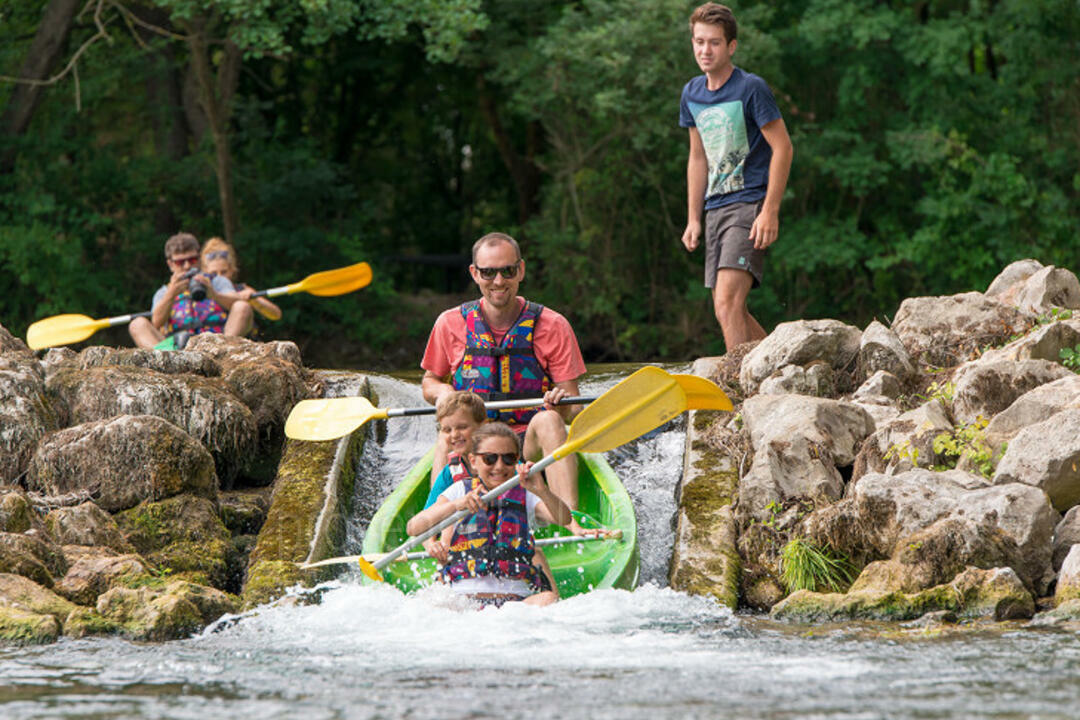 Canoeing / Kayaking in Fontaine-de-Vaucluse, Luberon : Canoe Evasion