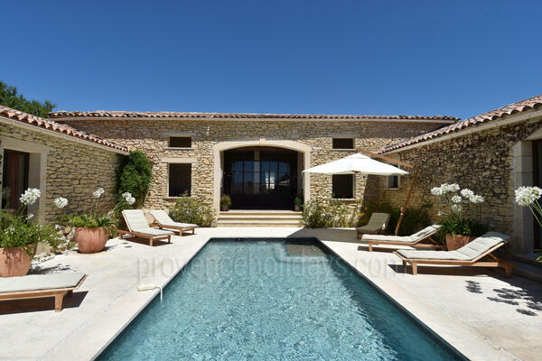Stunning Villa to rent with Heated Pool in Gordes