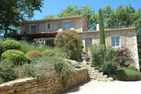 Holiday Rental Provençal House with Heated Pool near Lacoste