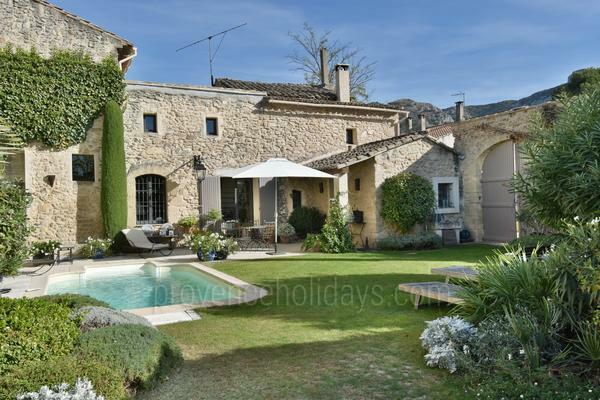 Typical Provencal Holiday Rental in the Luberon