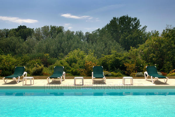 Spacious Luxury Holiday Rental near Roussillon