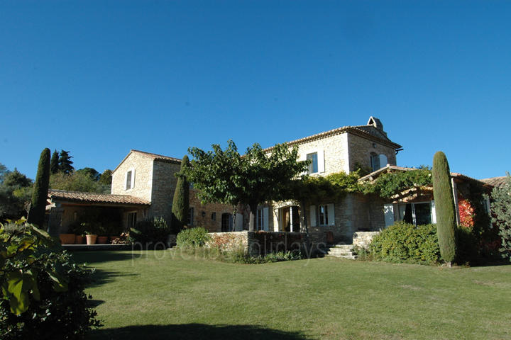 House with Heated Pool and Air Con in Gordes