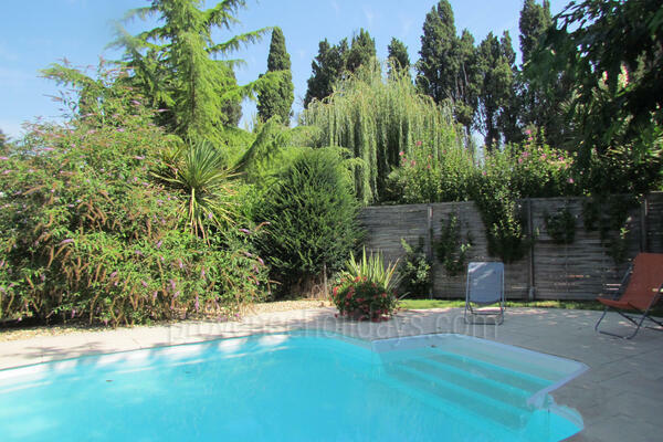 Pet-friendly Charming House with Air Conditioning in Saint-Rémy-de-Provence