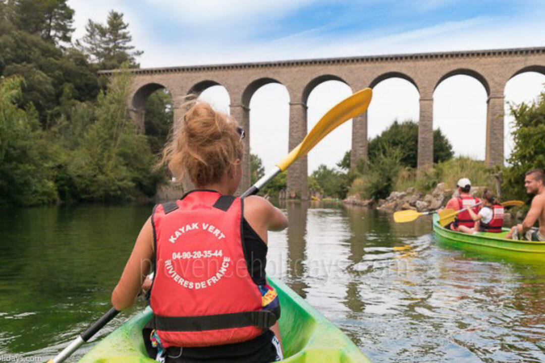 Canoeing / Kayaking in Fontaine-de-Vaucluse, Luberon : Kayak Vert