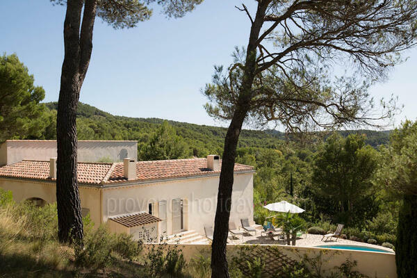Pet-friendly Holiday Rental Villa near Lourmarin