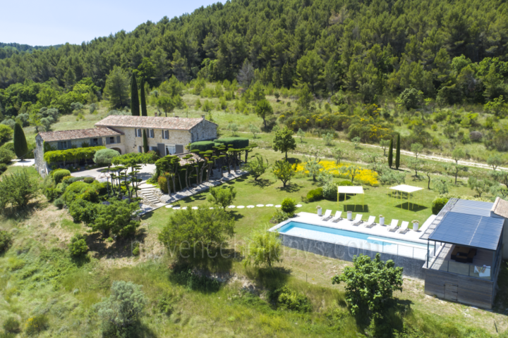 Luxury Holiday Rental with Heated Pool near the Mont Ventoux