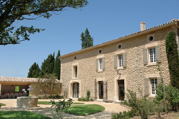 Spacious Holiday Rental Property with Heated Pool in the Luberon