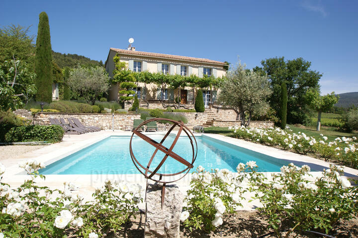 Holiday villa in Saint-Saturnin-lès-Apt, Luberon