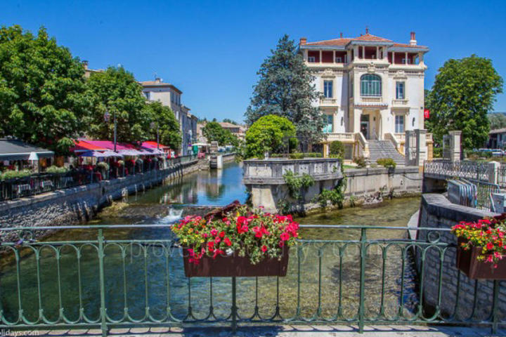Guided Tours in L'Isle-sur-la-Sorgue, Luberon : Visites guidées estivales