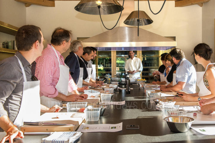 Cookery Classes in Uchaux, Haut Vaucluse : Cookery classes at the Château de Massillan