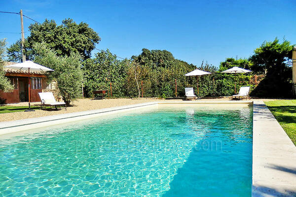 Superb Holiday Rental Villa in Bédarrides