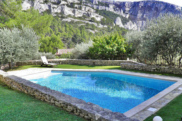 Holiday Rental with Air Conditioning in the heart of Fontaine-de-Vaucluse