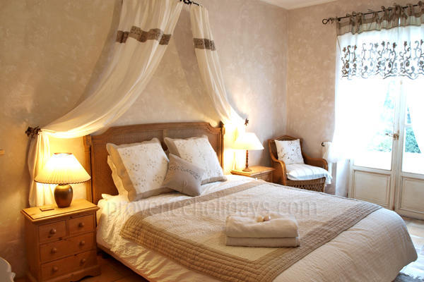 Bastide des Roches: Bedroom - 23