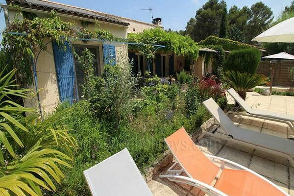 Holiday Rental House in the Alpilles