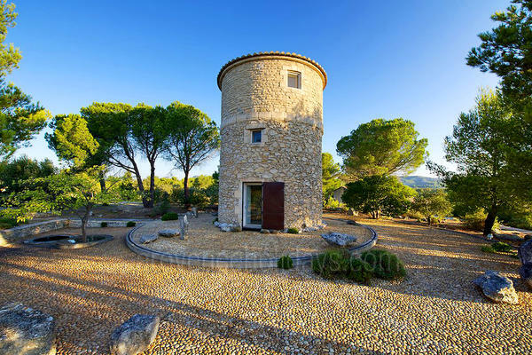 Holiday Rental Windmill within walking distance to Maussane-les-Alpilles