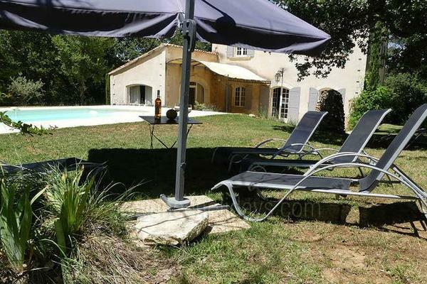 Vacation Rental with Heated Pool in Apt in the Luberon
