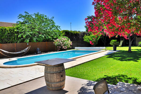 Holiday Rental Villa in Jonquerettes