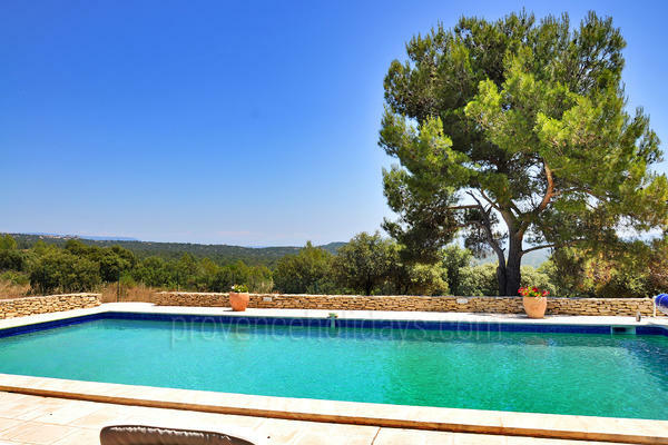 Pet-friendly Holiday Rental with Heated Pool near Fontaine-de-Vaucluse