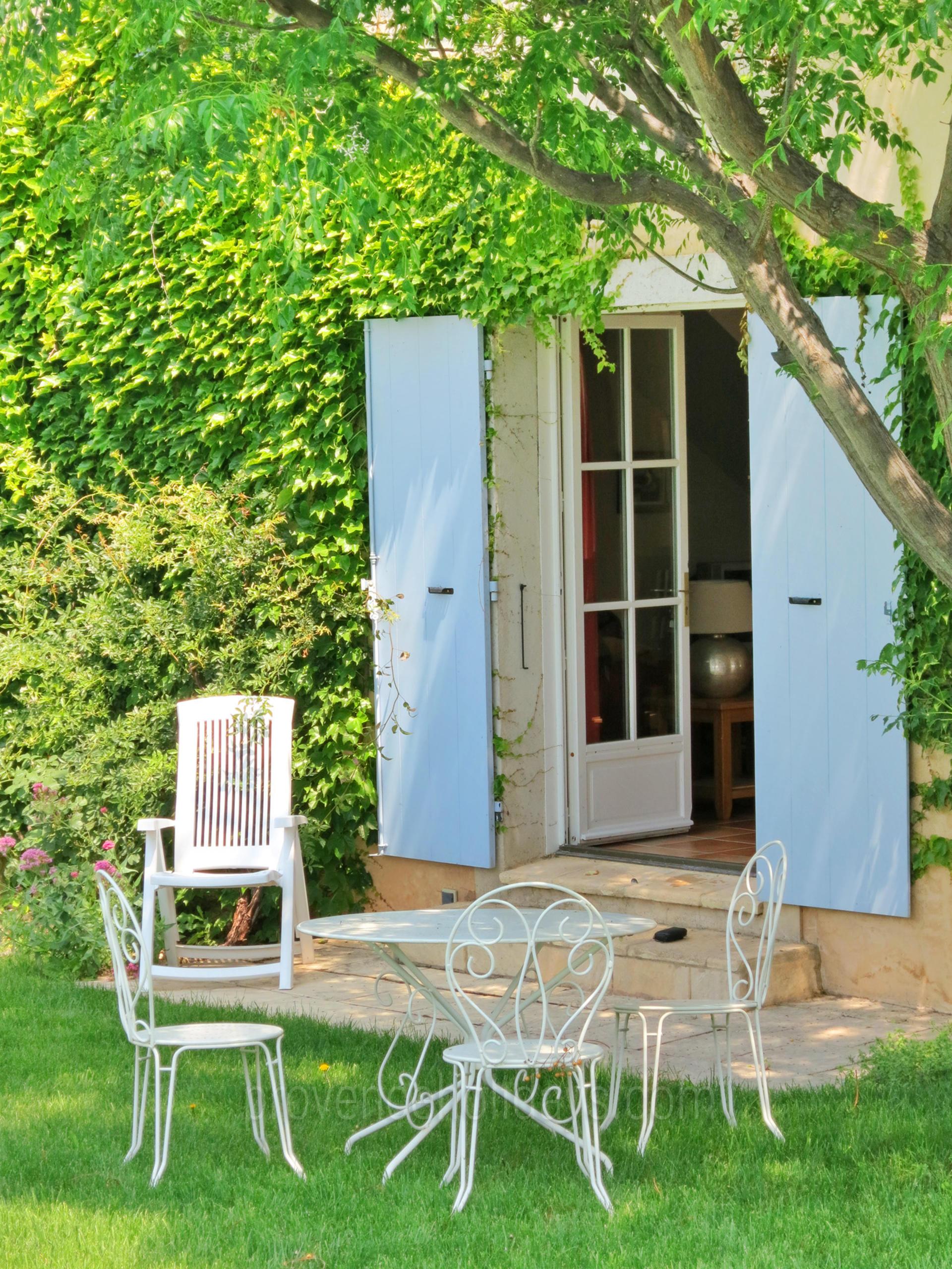 location de vacances mouri s alpilles location d 39 une bastide pour les vacances avec. Black Bedroom Furniture Sets. Home Design Ideas