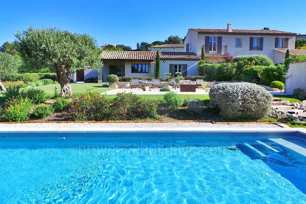 Holiday Rental Gite within walking distance to Maussane-les-Alpilles