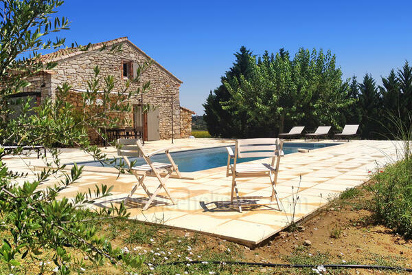 Typical Quaint Provençal House to rent with Heated Pool and Air Conditioning in the Cévennes