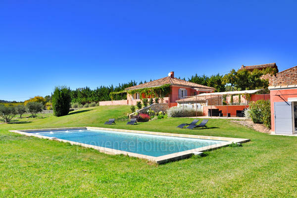 Holiday Rental in the heart of Roussillon