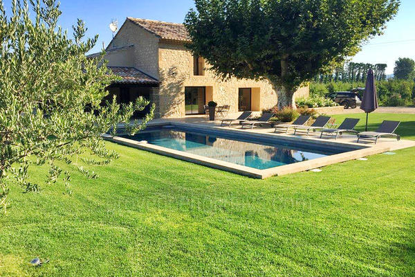 Holiday Rental Provençal House with Air Conditioning in the Luberon