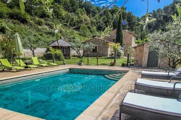Typical Provencal Holiday Rental near Crillon-le-Brave