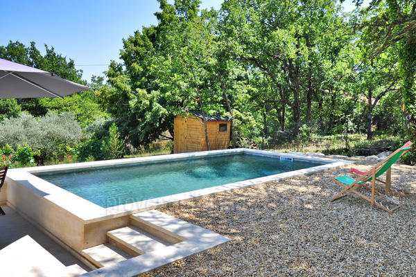 Holiday Rental Gîte with Air Conditioning in Lacoste in the Luberon