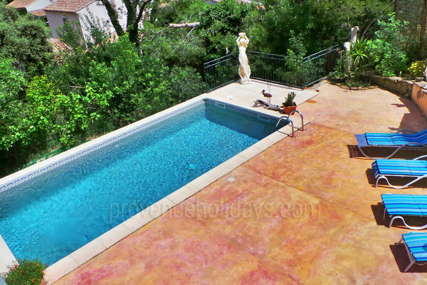 Pet-friendly Holiday Villa with Air Conditioning very close to Maussane-les-Alpilles