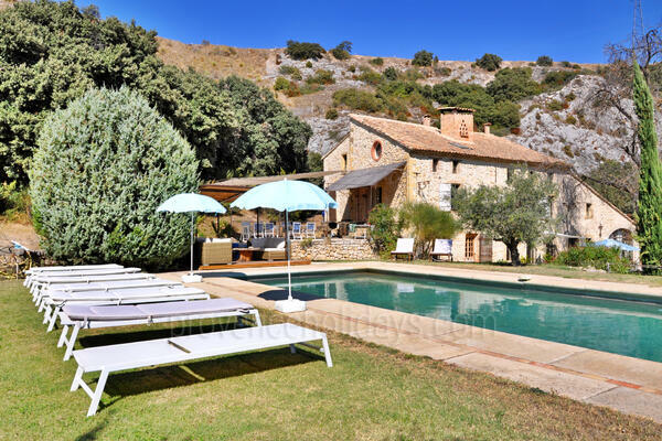 Stunning Holiday Rental House near Châteauneuf-du-Pape