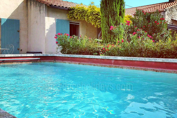 Holiday Villa with Air Conditioning in Saint-Rémy-de-Provence in the Alpilles