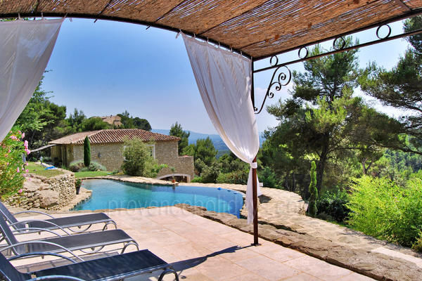 Charming Holiday Rental very close to Fontaine-de-Vaucluse