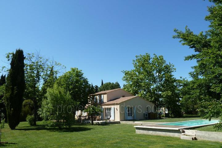 Large vacation rental in Aix en Provence