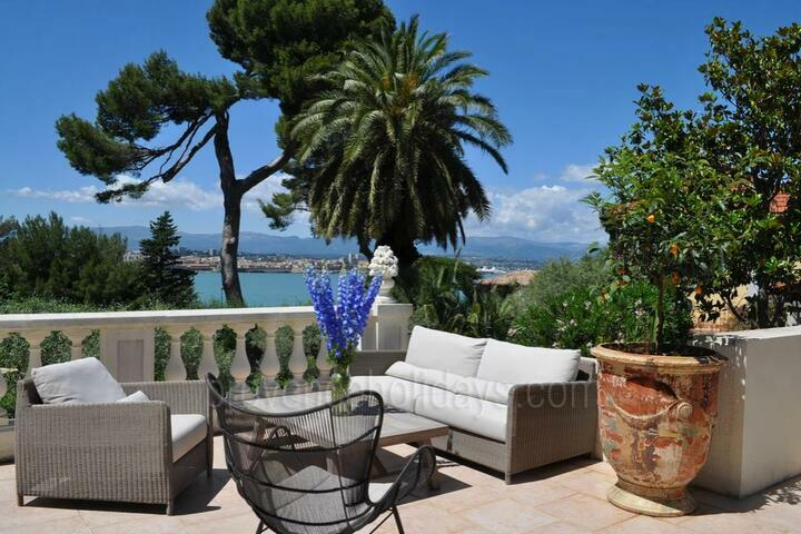 Holiday villa in Antibes, Côte d'Azur