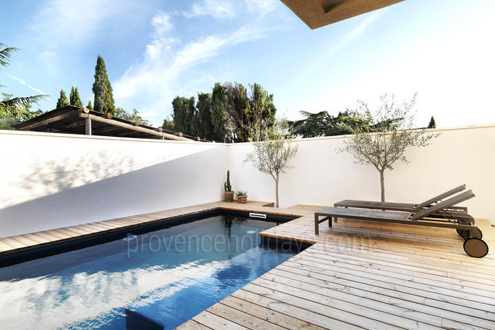 Stunning Villa with Heated Pool and Air Con walking distance to Bédoin