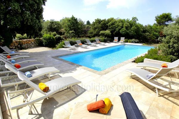 Pet-friendly Rental with Heated Pool in Bonnieux