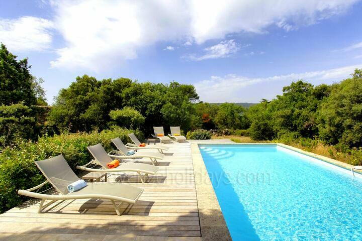 Large Rental with Heated Pool in Bonnieux