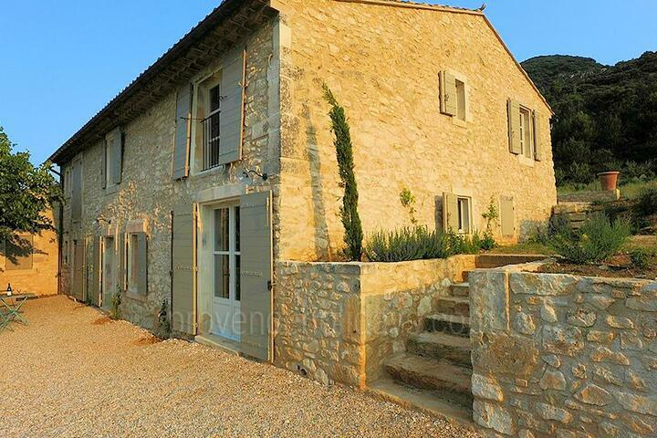 Traditional Provençal Farmhouse in Bonnieux