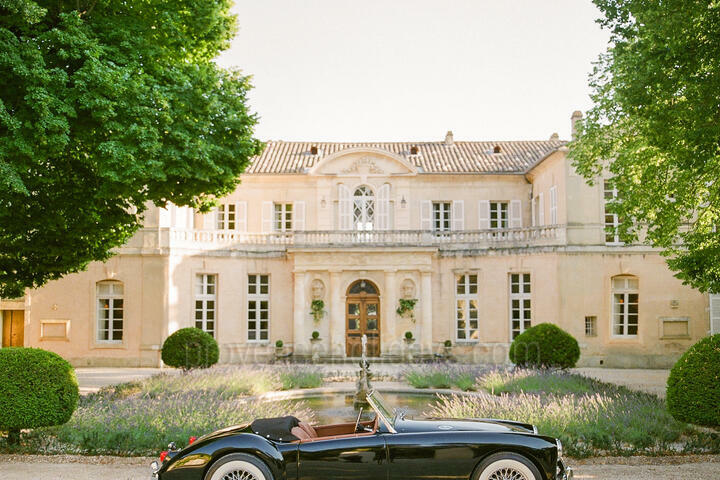 Extraordinary Château with Three Guest Houses