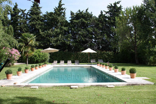Pet-friendly Holiday Rental House in Eygalières in the Alpilles