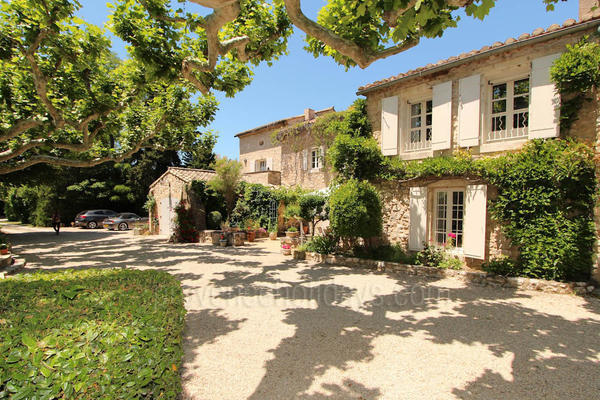 Stunning Property with Air Con close to Eygalières