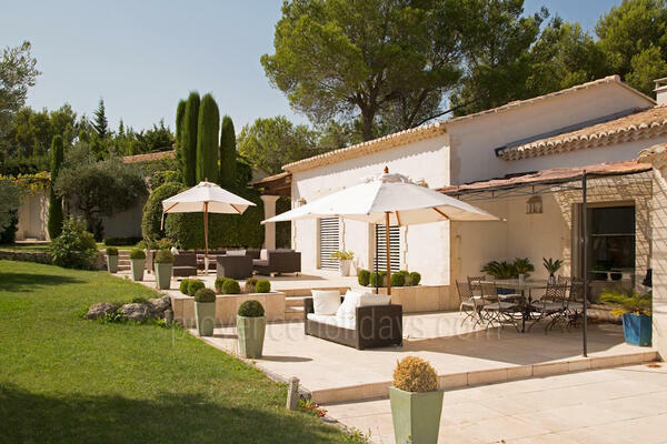 Villa to rent with Heated Pool and Air Conditioning in Eygalières
