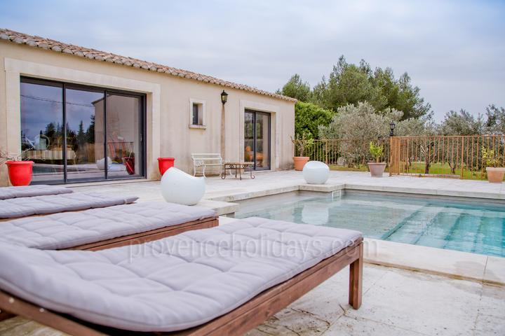 Contemporary Pet-friendly House to rent in the Alpilles
