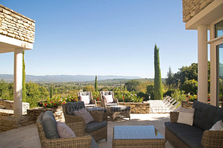 Holiday villa in Saint-Pantaléon, Luberon