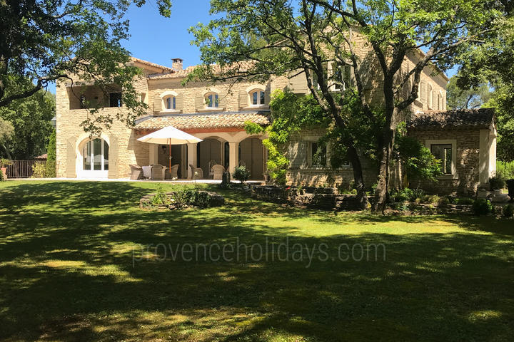 Luxury Holiday Rental in Gordes, Luberon