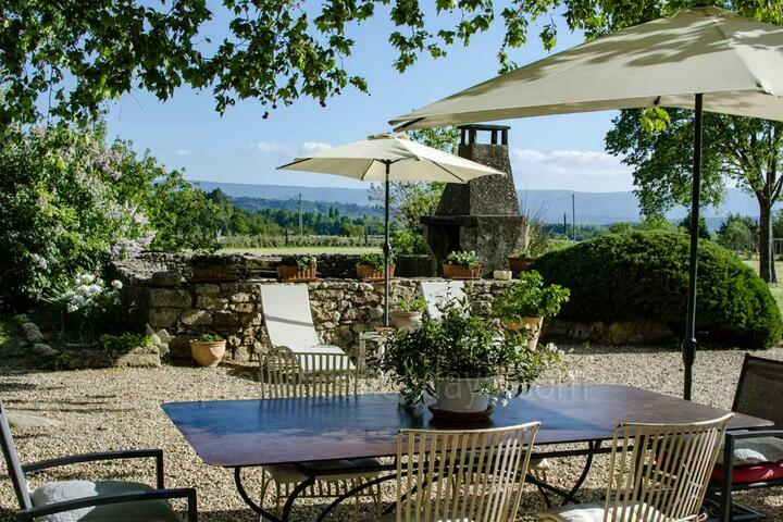 Holiday villa in Joucas, Luberon