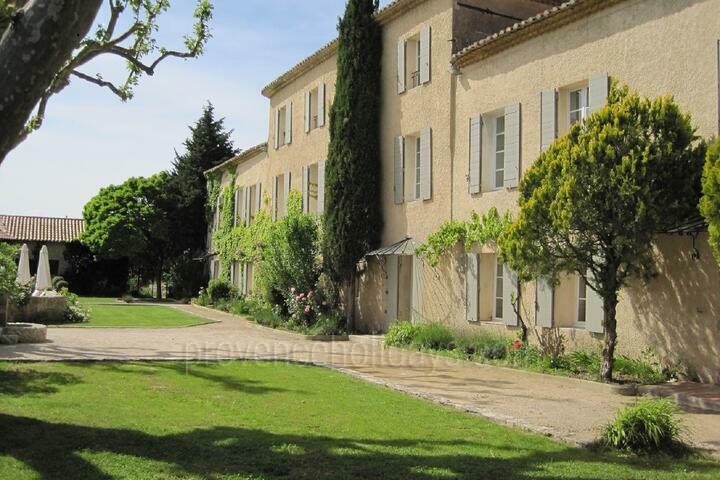 Holiday villa in Lambesc, Near Aix-en-Provence