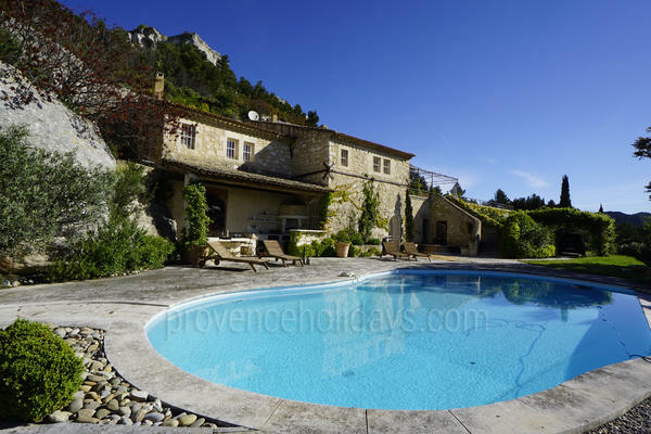 Holiday Rental a stones throw from Baux-de-Provence